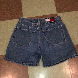 Vtg 90s Tommy Hilfiger high rise denim shorts 7
